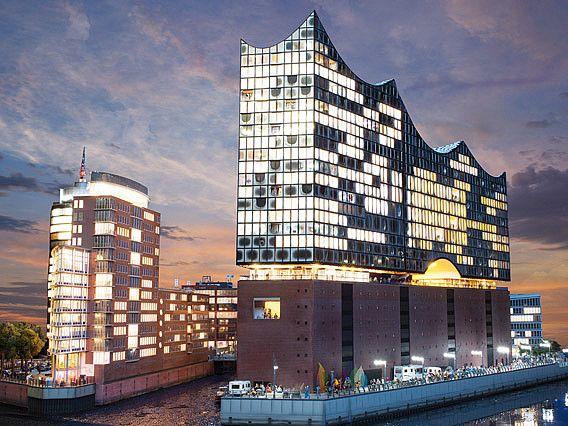 Elbphilharmonie Und Columbushaus Bei Nacht Miniatur Wunderland Miniatur Wunderland Hamburg Stadtereise Hamburg Hamburg