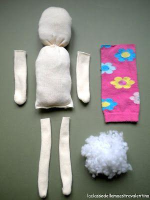 La classe della maestra Valentina: come creare delle bambole con le calze