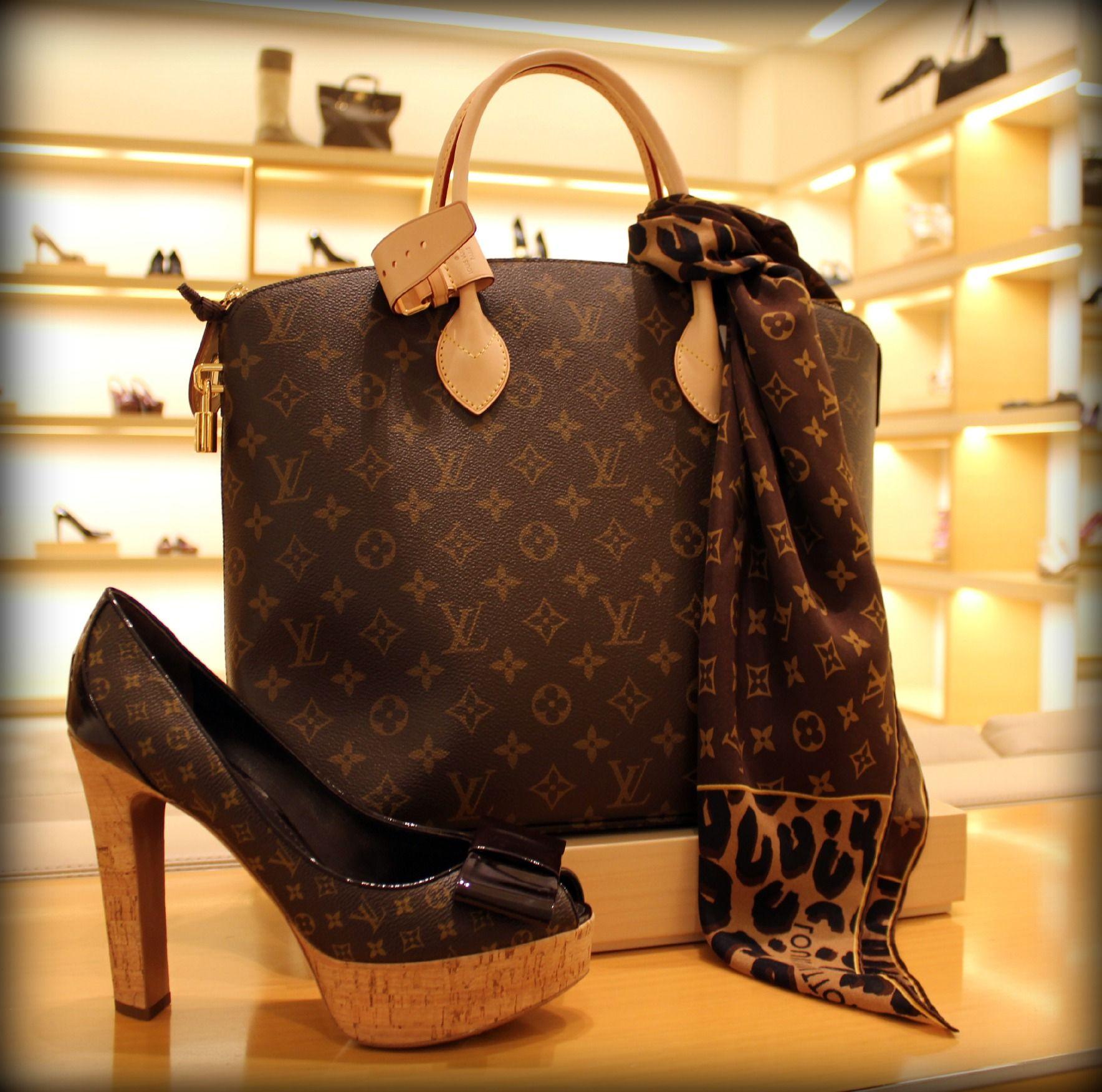 a33b79d3f matching bag! | Shoe Fanatic | Louis vuitton handbags, Louis vuitton ...