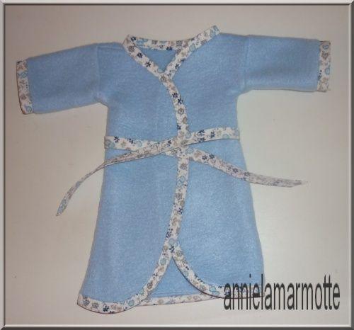 ff3adfc4d2bd1 une robe de chambre pour poupée avec le patron gratuit