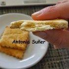 Ohhhhhhhh! Qué maravilla de galletas! Lo primero, dar las gracias a Antonia Suñer por su receta, por el vídeo de su página donde explica cómo amasarlas para que queden hojaldrada…