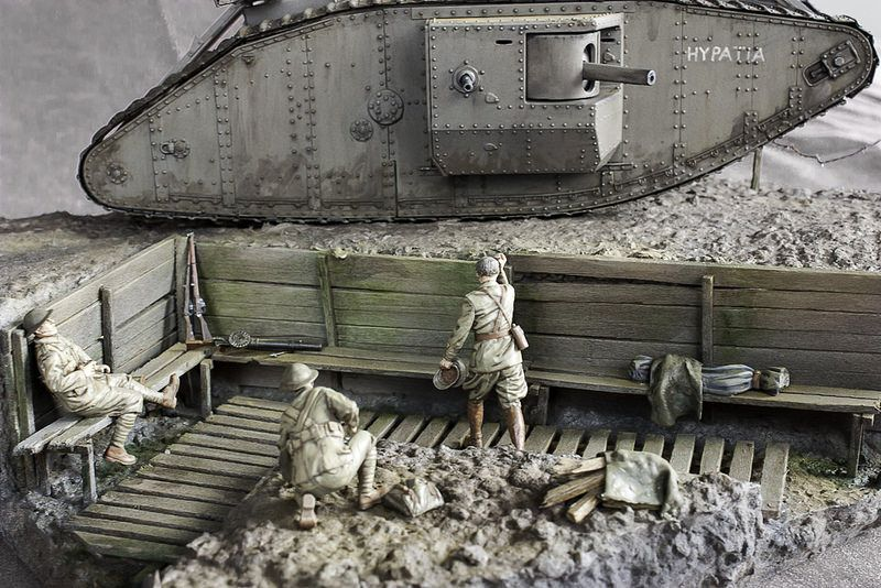 WW1 Tank and Troops