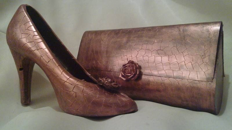 Perfect as a bridesmaid gift. Edible chocolate shoe and ...