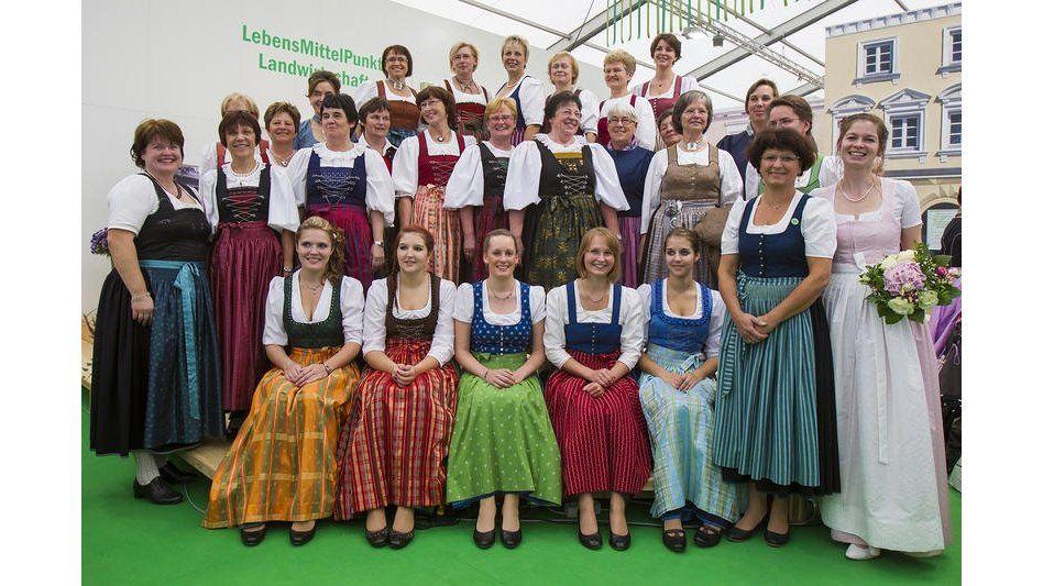 Regensburg Trachten