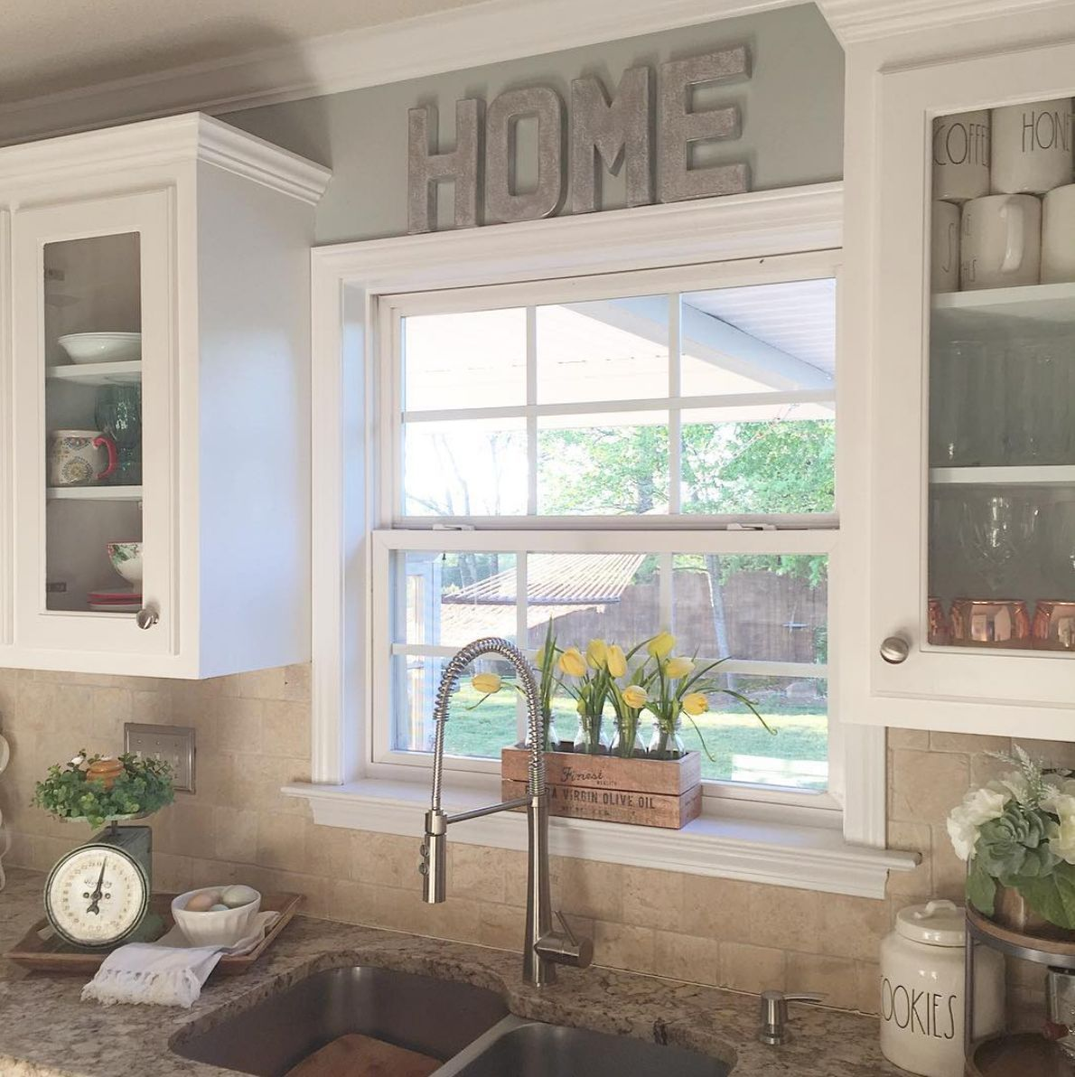 Best 13 Ways To Makeover Dated Kitchen Cabinets Without 640 x 480