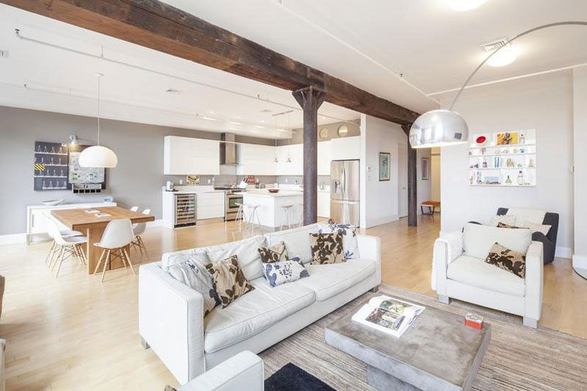 En espacios tan abiertos como los que tiene un loft es importante definir los diferentes ambientes.