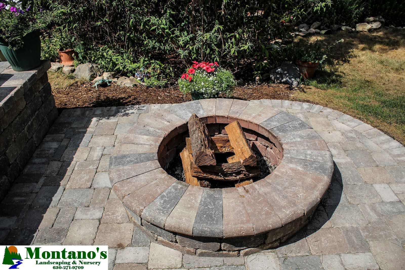 Circular Brick Fire Pit With Low Elevation Circulo
