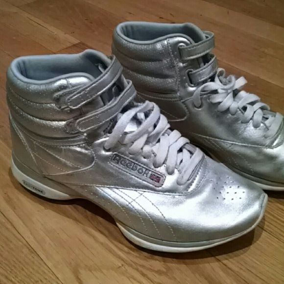 Reebok Easytone Freestyle High Size 7.5 Metallic silver high