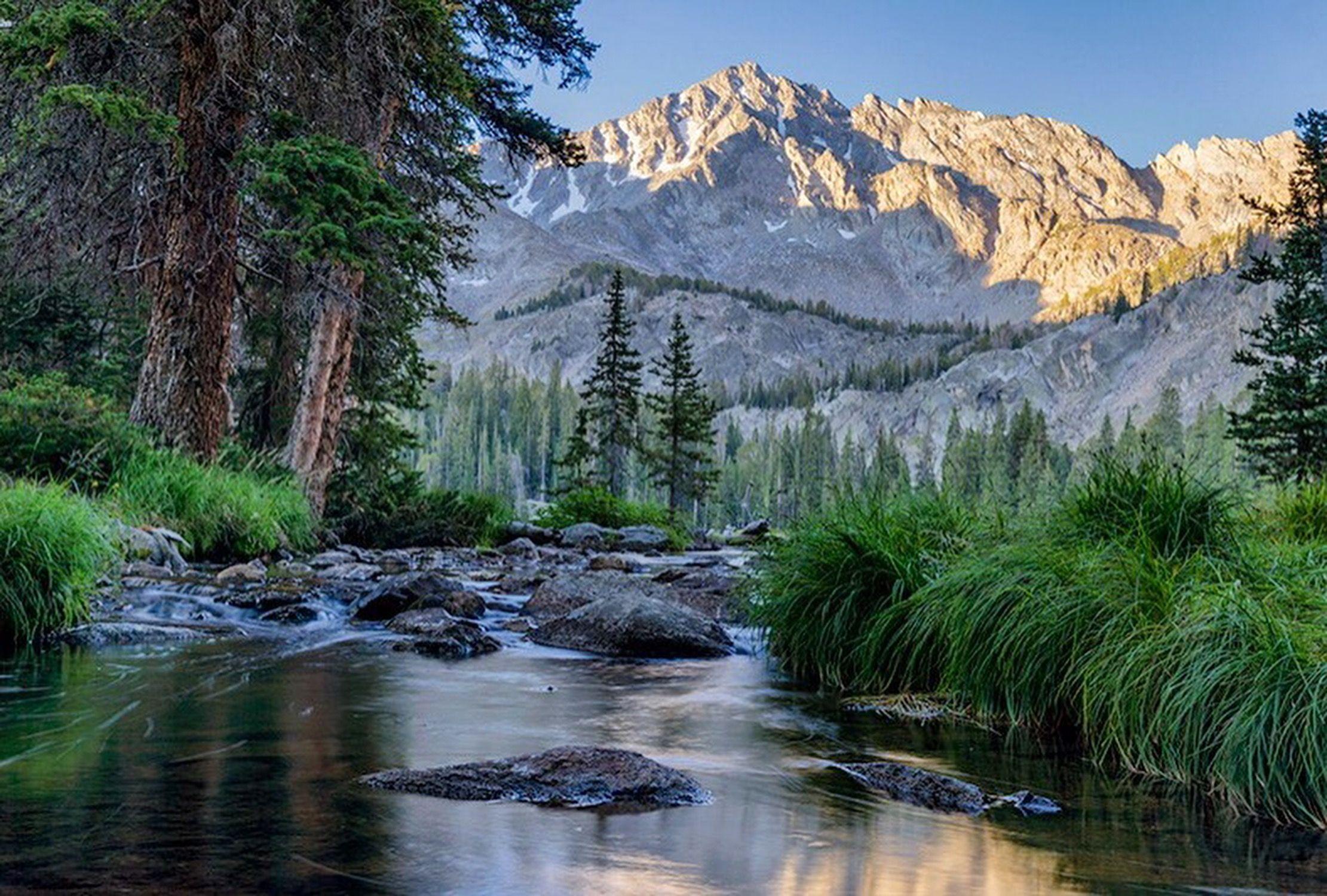 Sunrise at beautiful Moose Lake in Idaho's Pioneer