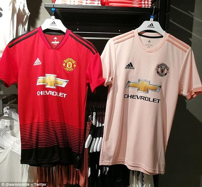 Manchester United home and away pink 2018 19 kit  d557ed1ec5c11