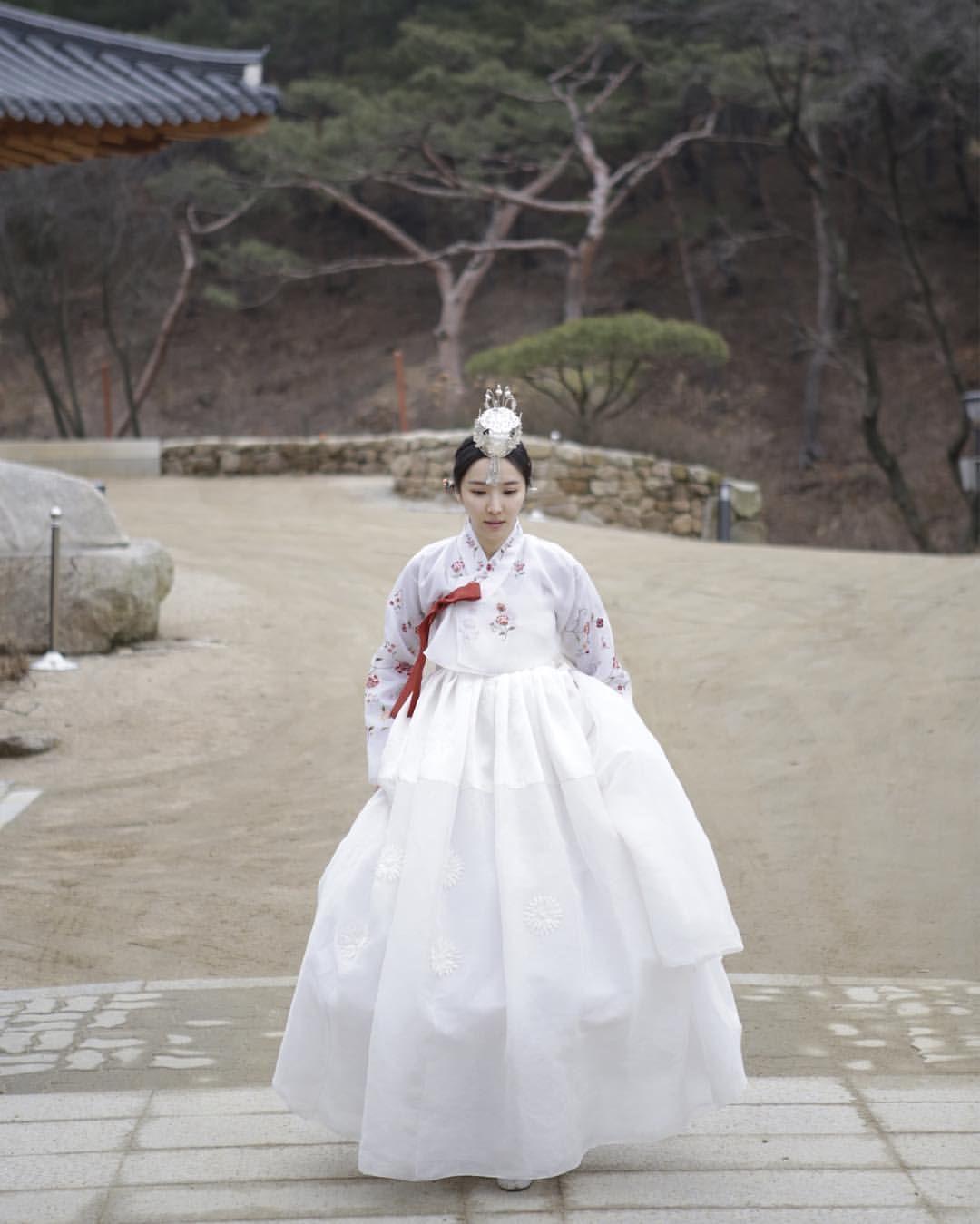 신부 자수 한복  #dress #신랑신부한복