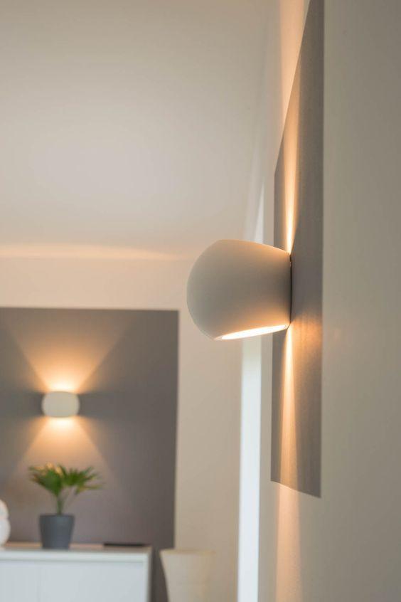 dimmbare led wandlampen unsere wandleuchten f rs wohnzimmer lampen pinterest wandleuchte. Black Bedroom Furniture Sets. Home Design Ideas