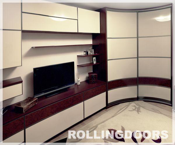 радиусный шкаф купе в гостиную отличная идея для небольших гостиных