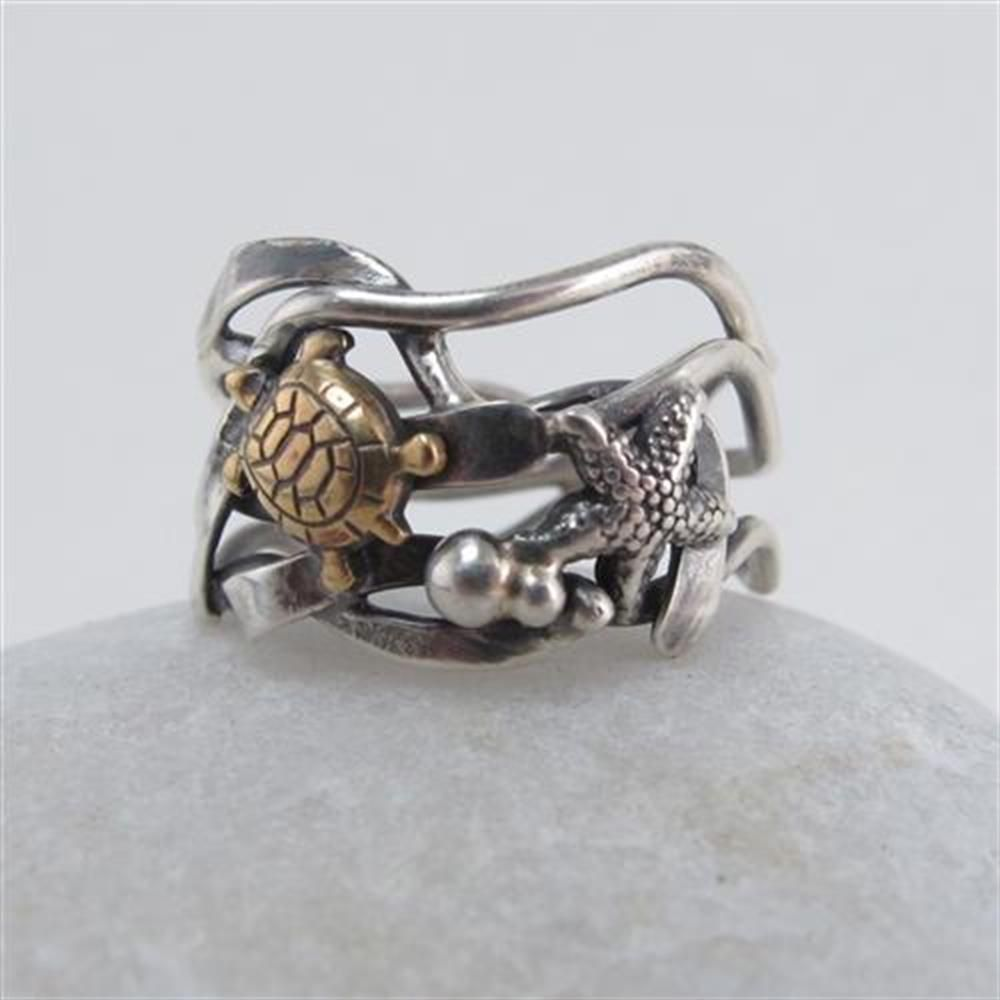 Turtle and Starfish Ring by Meg Auth from The little GALLERY of fine ARTS  #turtle #starfish #ring #jewellery #finearts #nzjewellery #thelittlegallery