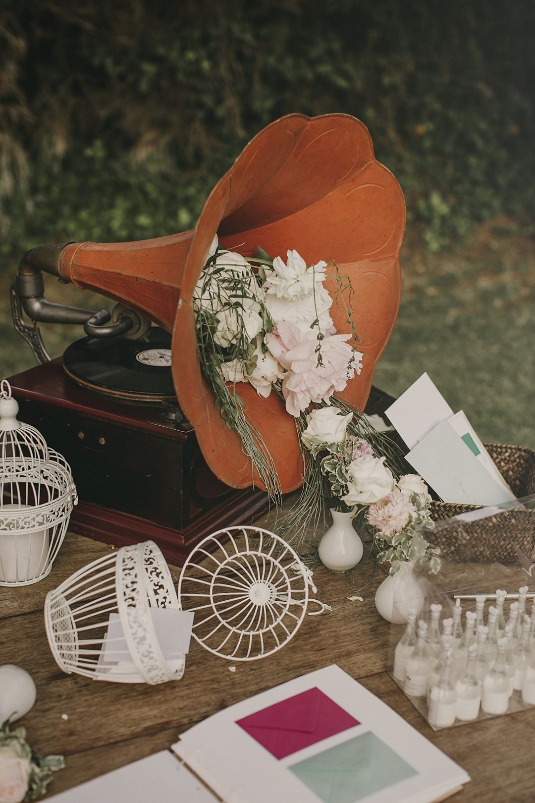 Guestbook table decor ideas