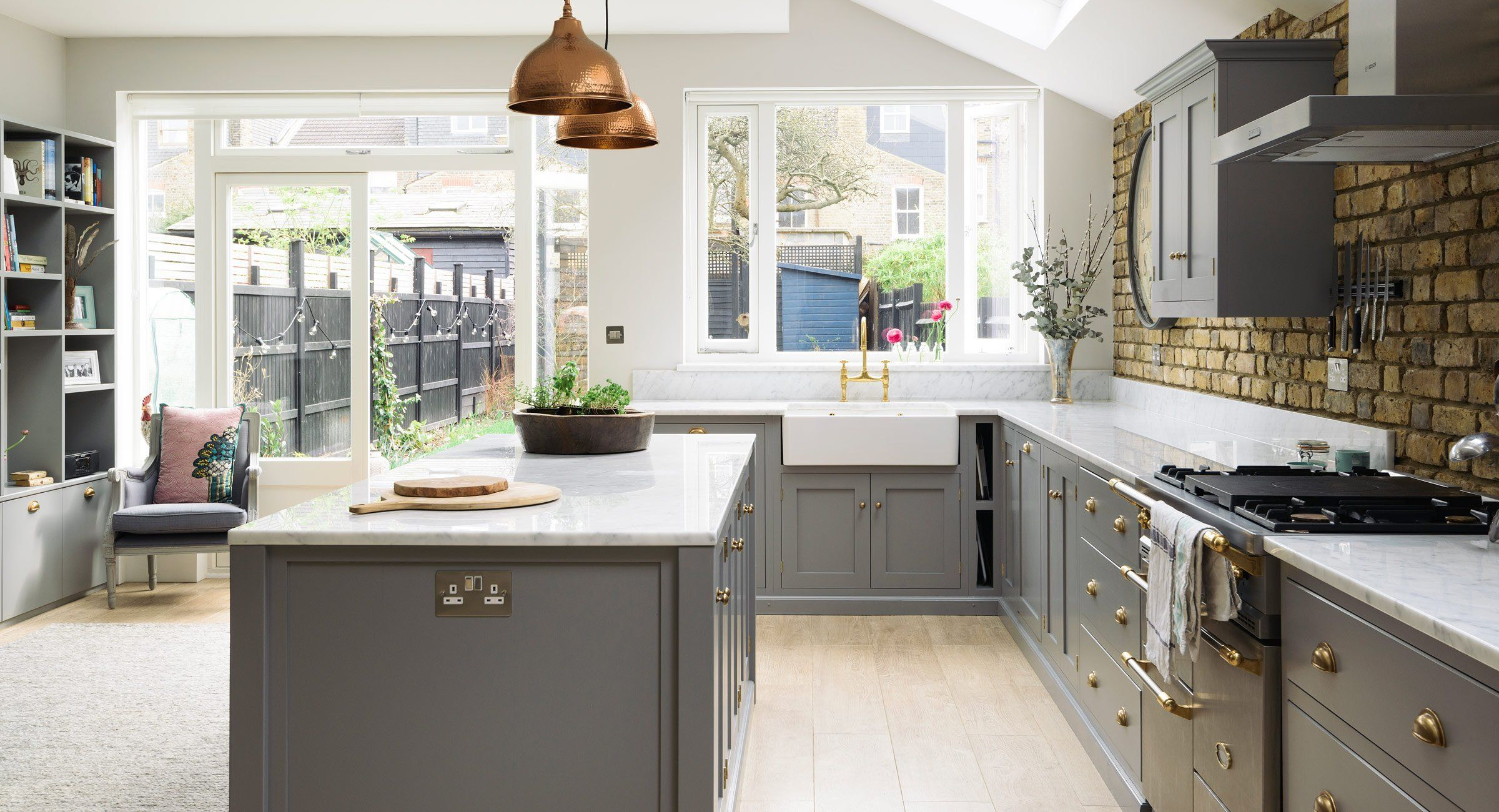 https://www.devolkitchens.co.uk/kitchens/shaker-kitchen/sw12-kitchen ...