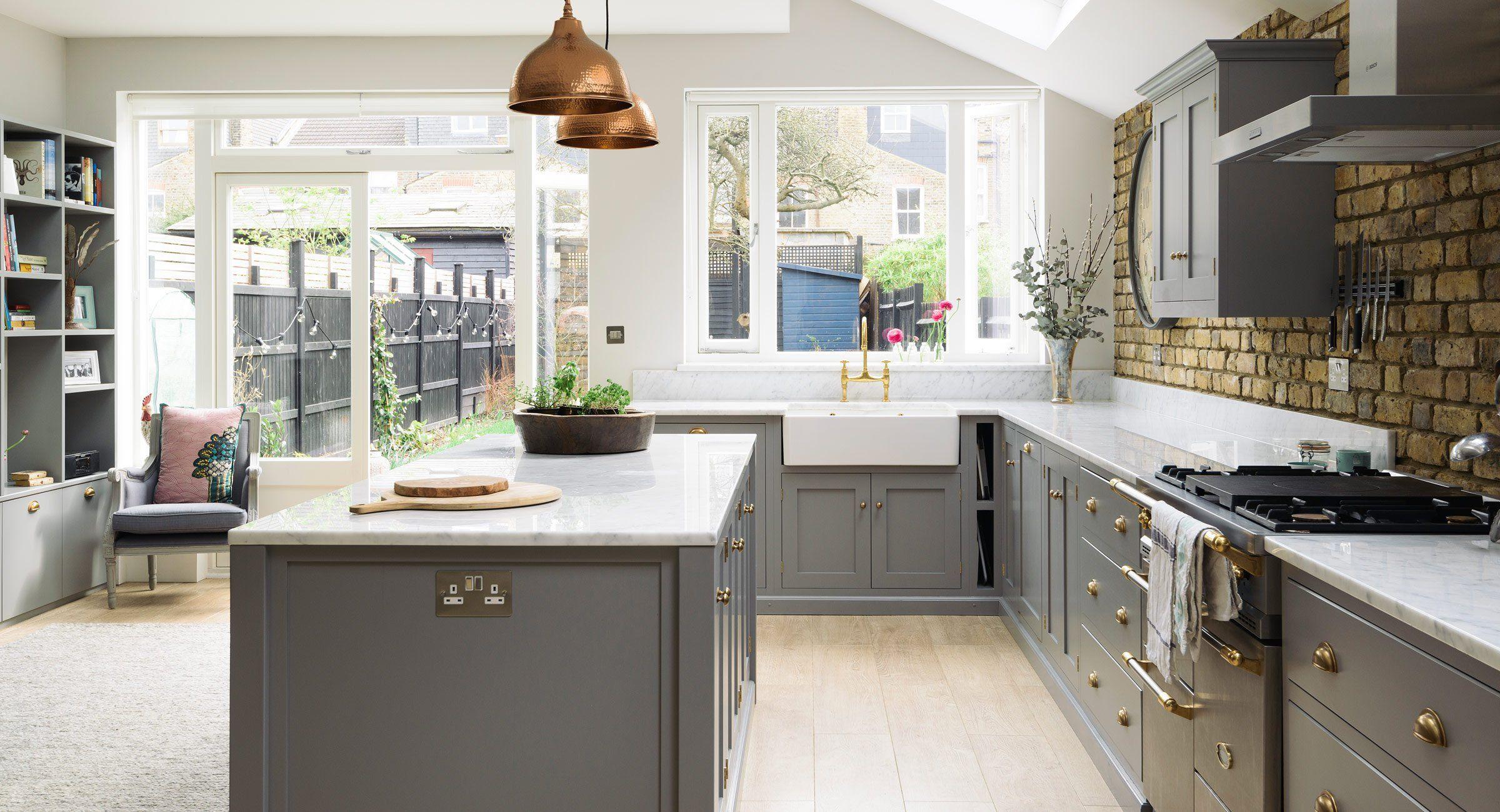 https://www.devolkitchens.co.uk/kitchens/shaker-kitchen/sw12-kitchen