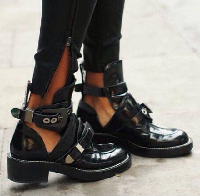 balenciaga ceinture boots sale