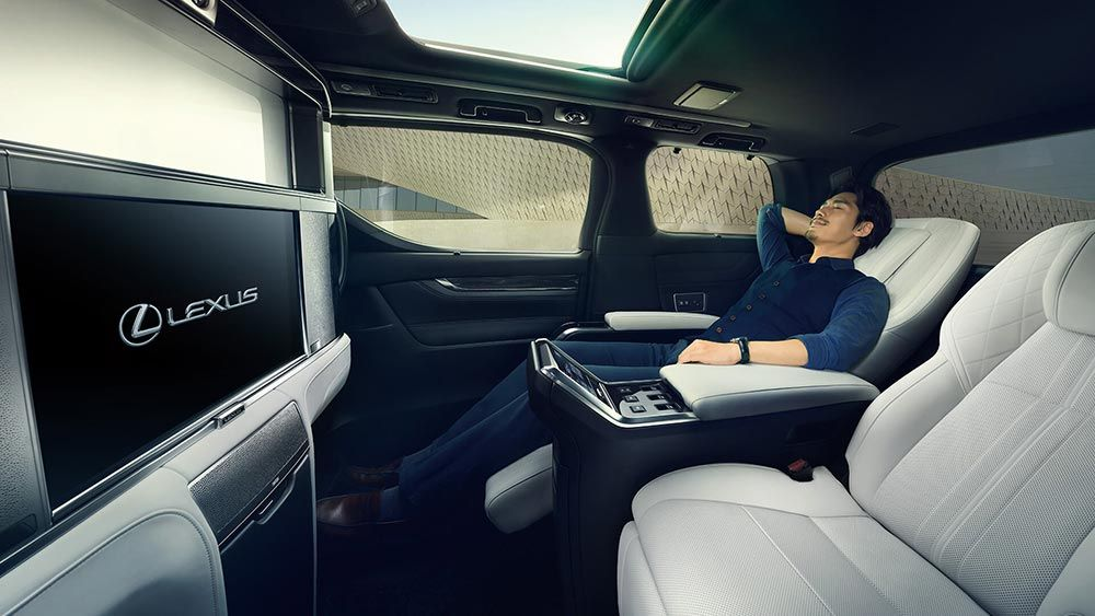 Lexus Lm Breaks Cover As Ultra Luxurious Minivan For China Other Asian Markets Carscoops In 2020 Mini Van Lexus Luxury Van