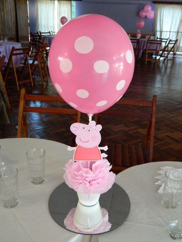 Cumpleaños temático de Peppa Pig. Centros de mesa.
