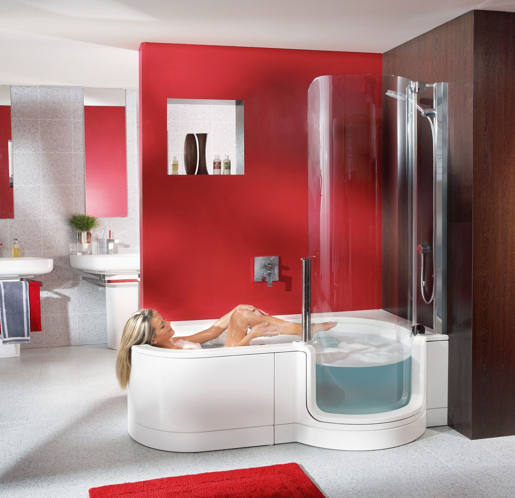 Badezimmer Garnitur Rot Barrierefreie Badewanne And Dusche Von Artweger Bad And Wellness