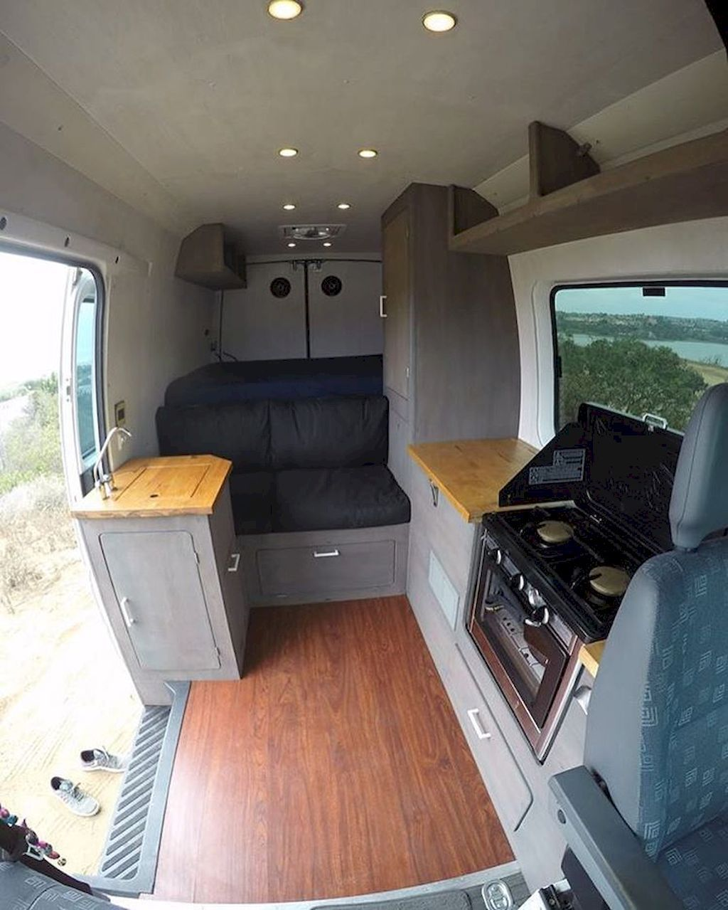Adorable best rv camper van interior decorating ideas