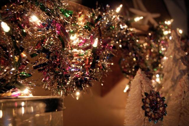 christmas tinsel with lights - 50 DIY Stunning Christmas Light In This Year Christmas Decor