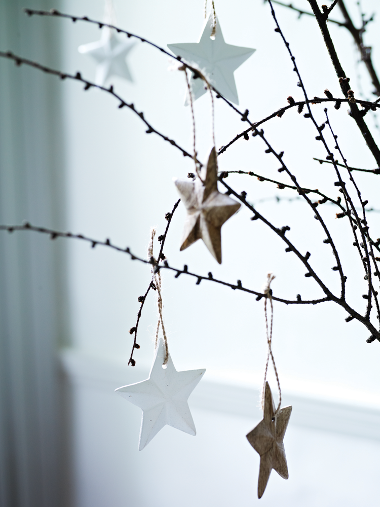 Set Of Six Wooden Hanging Stars Colour Scheme Board Christmas