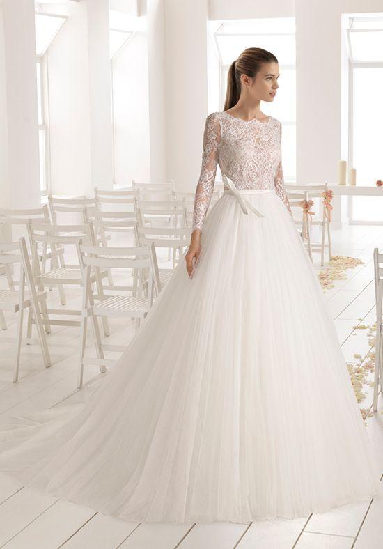 Rosa Clara Aire Barcelona wedding dress | https://trib.al/f9VgU6L ...