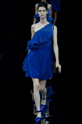 Emporio Armani Spring 2015 Ready-to-Wear Fashion Show: Complete Collection - Style.com