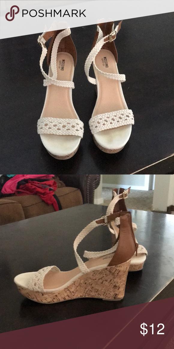 25fea748fdb7 Mossimo wedge heels size 8 1 2