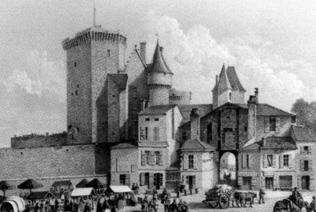 H tel de ville d 39 angoul me le ch teau comtal le for Rochefort angouleme
