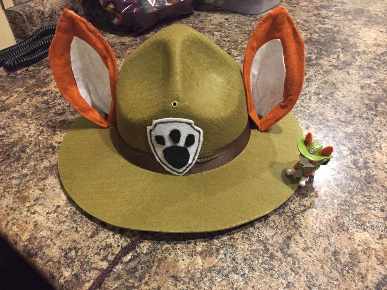 Tracker hat and ears | Paw patrol Halloween (DIY Tracker costume ...