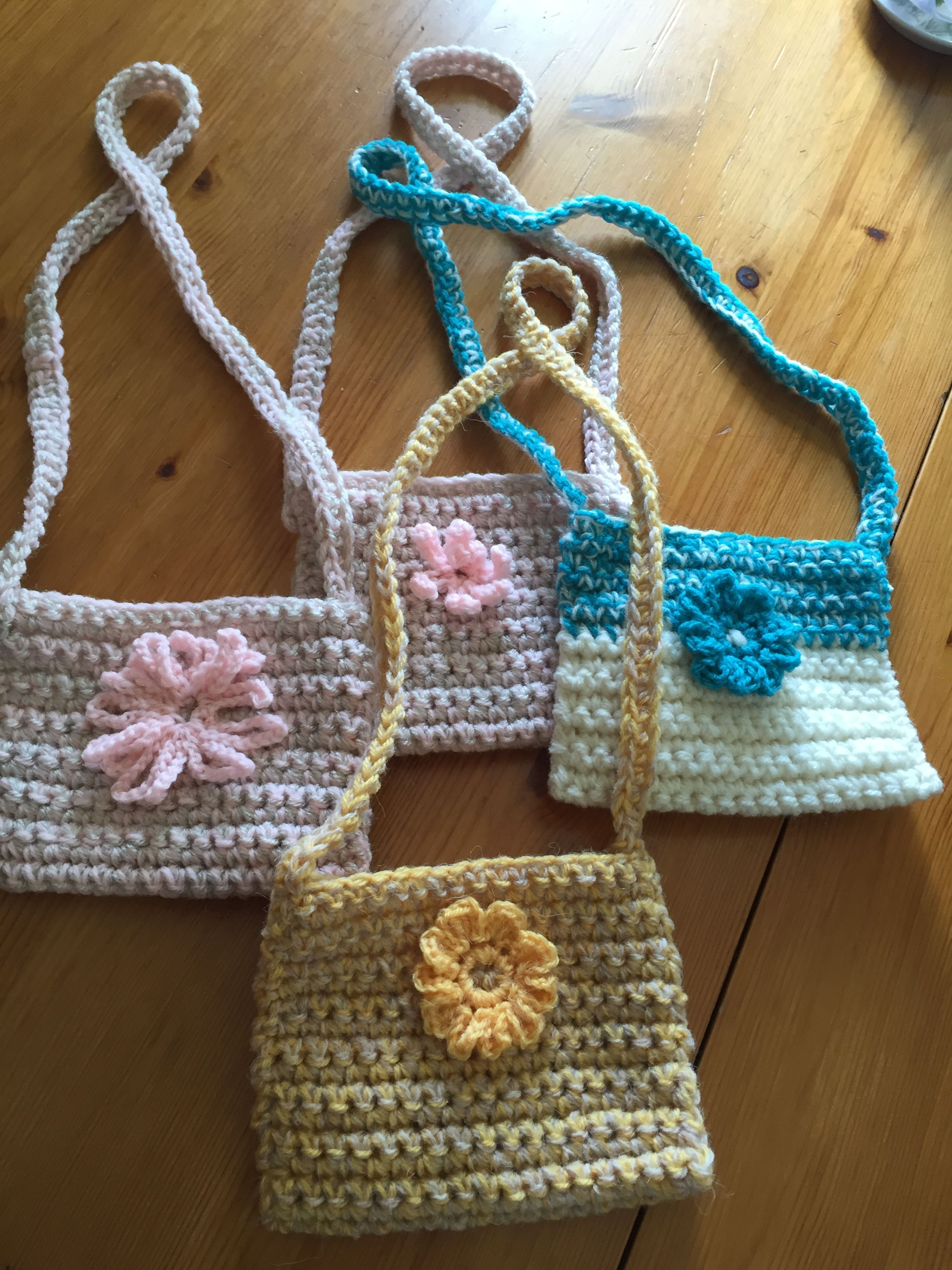 My mums crochet mini bags X | Bolsos De Ganchillo | Pinterest