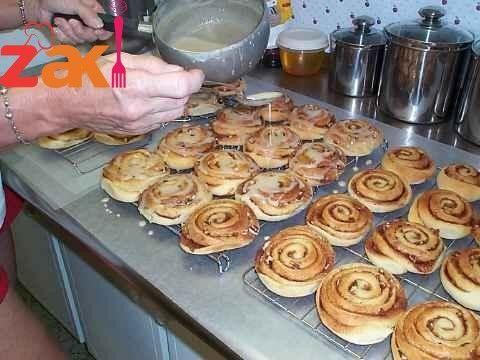 طريقة عمل الصوص الأبيض وصوص الكراميل لسينابون وصفة مميزة احفظوها زاكي Food Desserts Breakfast