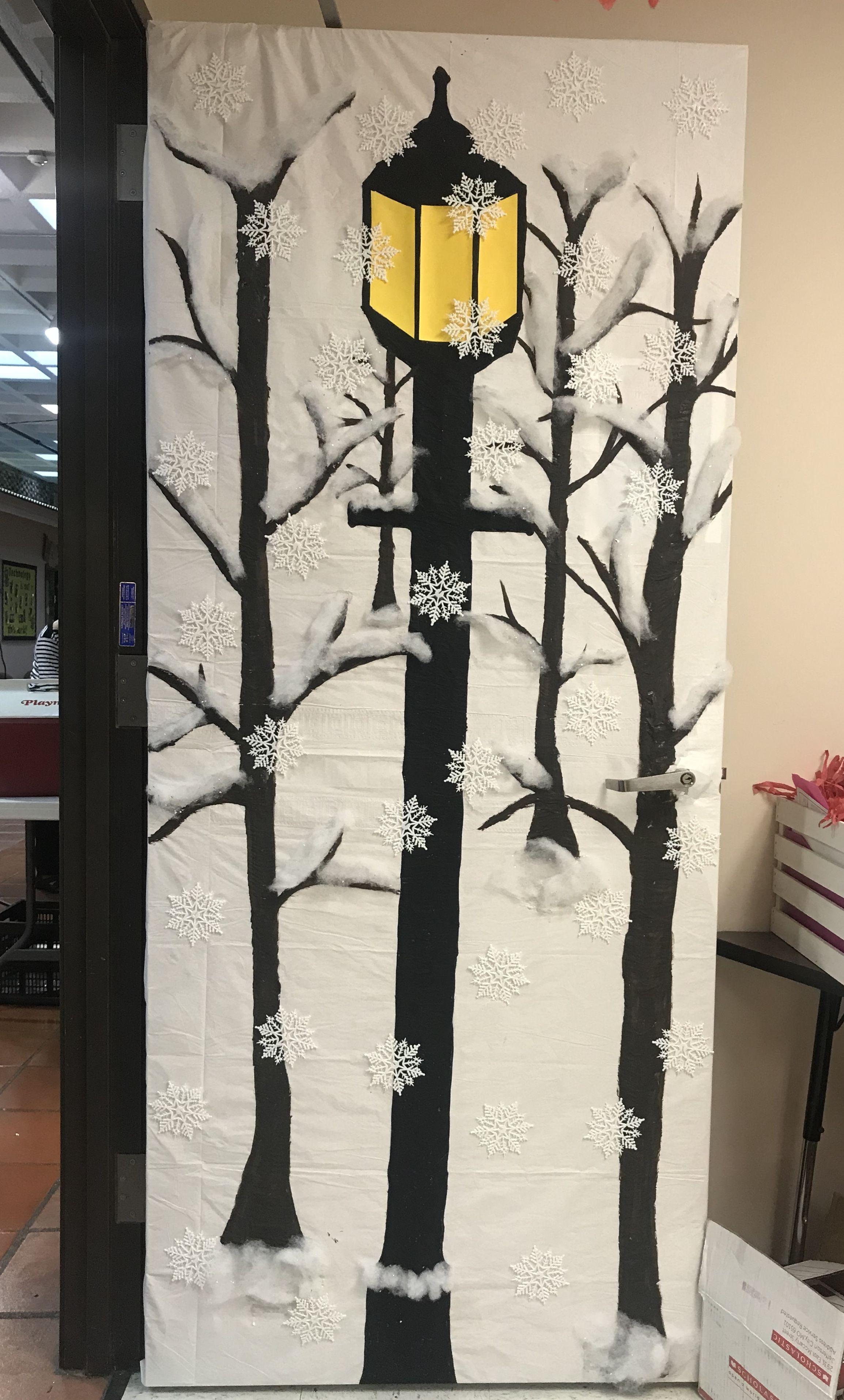 Narnia theme classroom door. | AISD Events | Pinterest | Puertas ...