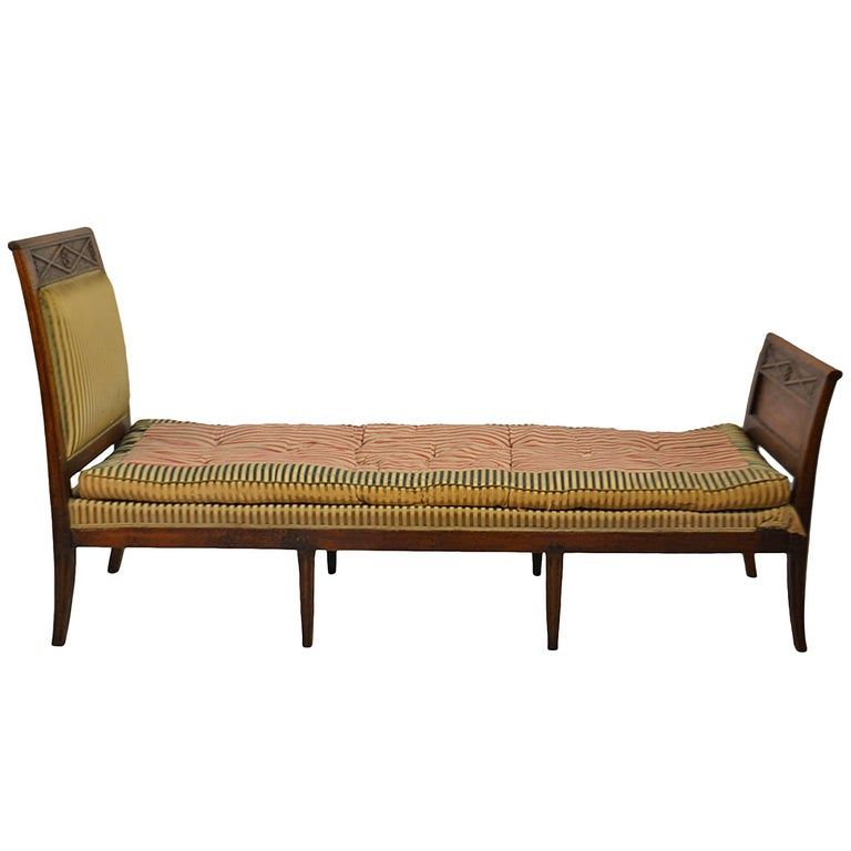 Directiore Walnut Daybed