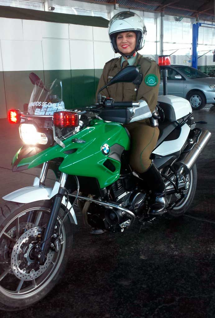 chile-chilean police men and women receive f700gs police | bmw