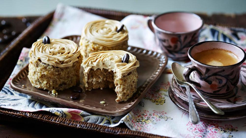 Mini coffee and walnut cakes | Recipe | Walnut cake ...