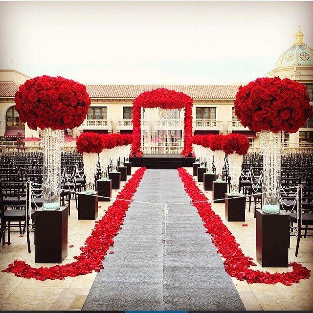 Absolutely Dramatic & Lush! Lovely Outdoor Decor by @ButterflyFloral #WeddingDecor #WeddingDigestNaija