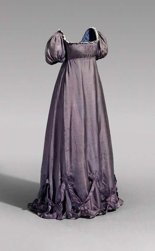 silk dress worn Queen Luise of Prussia, ca. 1800