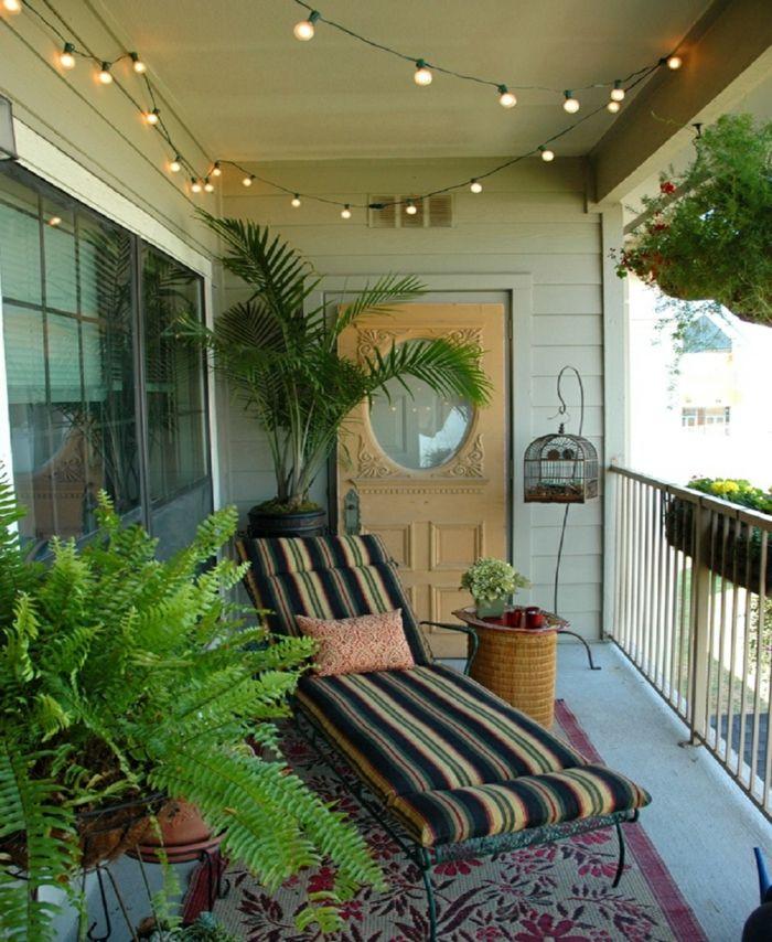 Teppich für balkon  balkon dekoideen liege lichterkette teppich pflanzen | Balkonmöbel ...