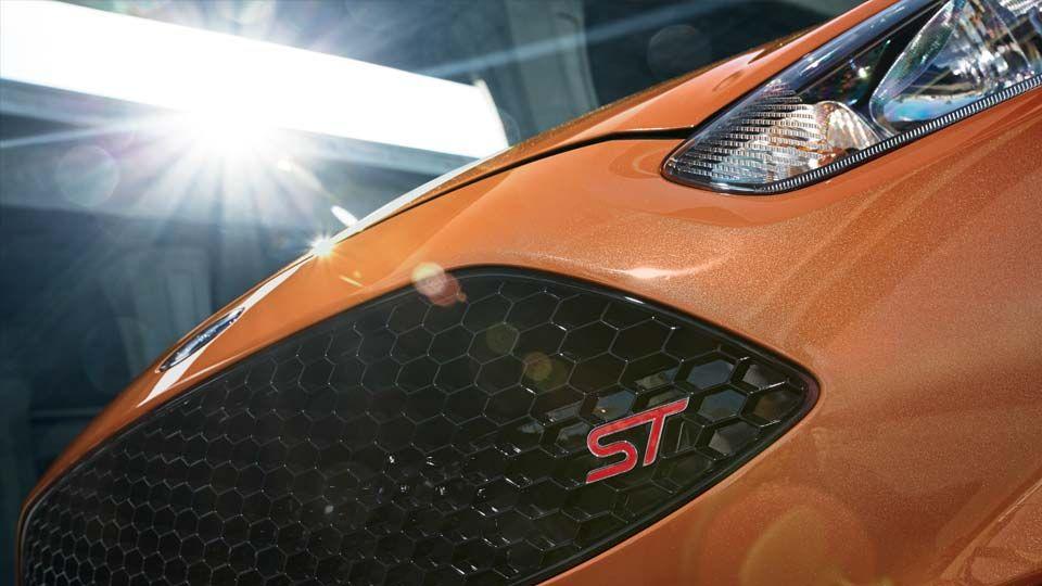 Ford Fiesta ST Hatchback 2017 Detalles del Modelo Ford