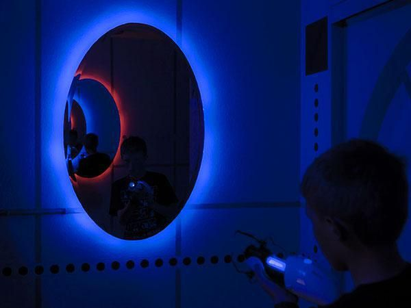 These Parents Made Their 13 Year Old Kid A Kick A Portal Themed Room