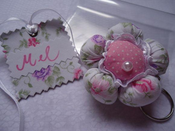 Chaveiro flor de tecido. R$ 6,90