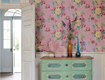 Anna French wallpaper. #floral #pink