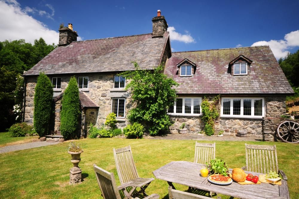 Choose From A Selection Of Bala Holiday Cottages An Ideal Location From Which To Explore Snowdonia National P Holiday Cottage Snowdonia National Park Snowdonia