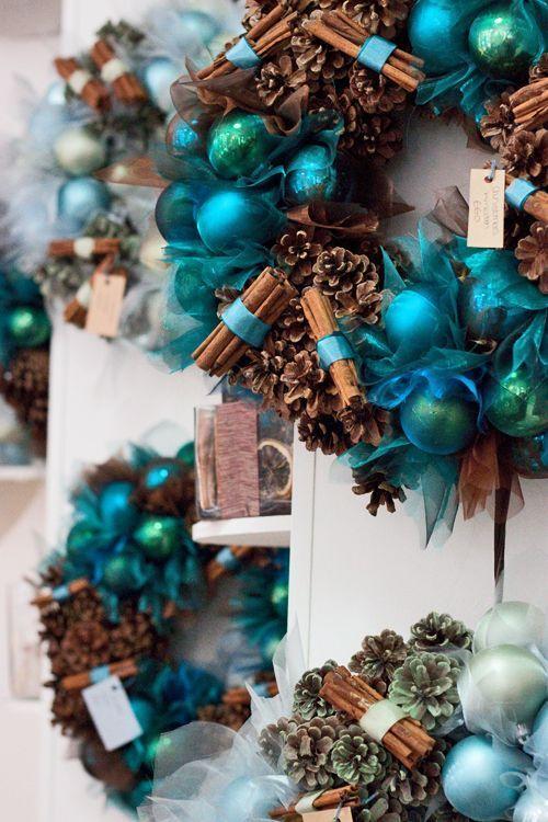Ideas de decoraci n para navidad en verde azulado con for Ideas de decoracion navidena