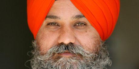 India: Terrorism charges against Kiwi Sikh leader Manpreet Singh - http://www.sikhsiyasat.net/2013/05/31/india-terrorism-charges-against-kiwi-sikh-leader-manpreet-singh/