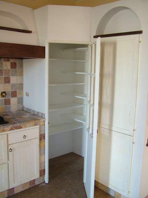 Cucina eff. muratura angolare con dispensa 3 | Mobili cucina ...